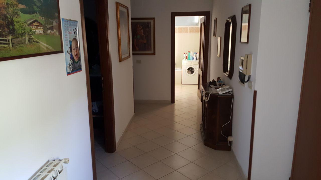 http://www.progettocasa1.it/immagini_immobili/29-12-2017/appartamento-vendita-colleferro-roma-via-colle-bracchi-476.jpg