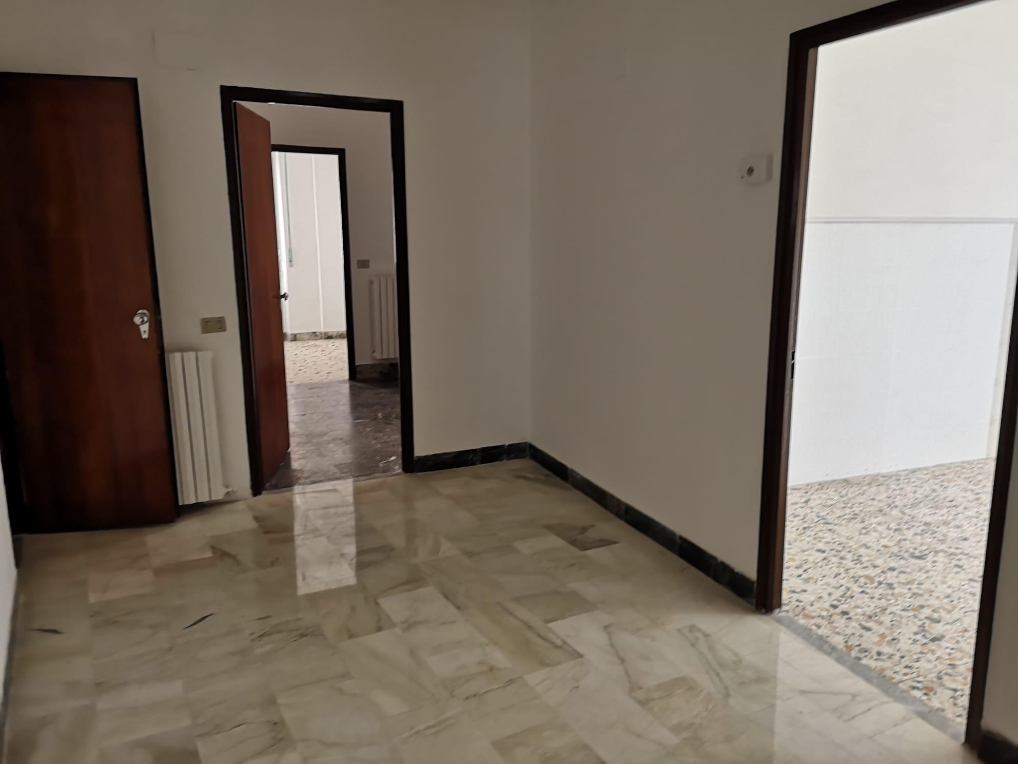 https://www.progettocasa1.it/immagini_immobili/30-09-2020/ufficio-affitto-colleferro-roma-corso-filippo-turati70-569.jpg