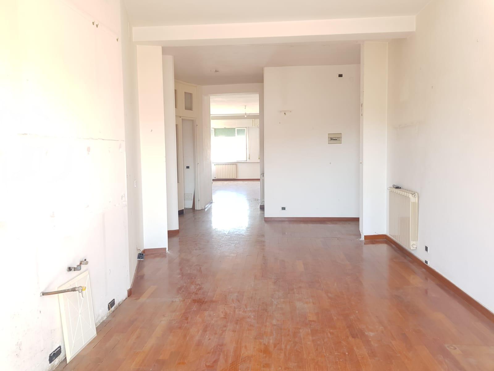 https://www.progettocasa1.it/immagini_immobili/31-05-2021/appartamento-vendita-colleferro-roma-corso-filippo-turati60-754.jpg